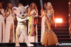 miss_germany_finale18_2035 (bayernwelle) Tags: miss germany wahl 2018 finale 24 februar europapark arena event rust misswahl mister mgc corporation schönheit beauty bayernwelle foto fotos christian hellwig flickr schärpe titel krone jury werner mang wolfgang bosbach soraya kohlmann ines max ralf klemmer anahita rehbein sarah zahn rebecca mir riccardo simonetti viola kraus alena kreml elena kamperi giuliana farfalla jennifer giugliano francek frisöre mandy grace capristo famous face academy mode fashion catwalk red carpet