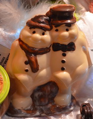 Bros [Strasbourg - 9 December 2017] (Doc. Ing.) Tags: 2017 france alsace grandest basrhin strasbourg upperrhine chocolate food foodporn white twins identicaltwins
