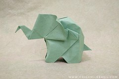 14/365 Little Elephant by Fumiaki Kawahata (origami_artist_diego) Tags: origami origamichallenge 365days 365origamichallenge elephant fumiakikawahata