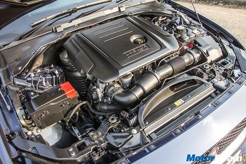 Jaguar-XE-Diesel-15