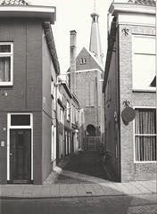 Jacob Roggebroodsteeg (4 augustus 1979) (Barry van Baalen) Tags: gorinchem gorcum gorkum foto photo monochrome 1979 roggebroodsteeg