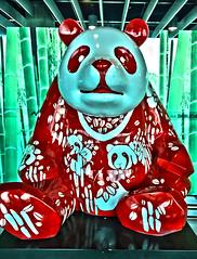 Melbourne Airport Art (JKIESECKER) Tags: statues art airports australia melbourne melbourneaustralia red panda