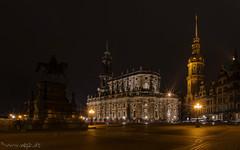 Abends in Dresden (Norbert Helbig) Tags: nikon d7200 europa europe germany deutschland sachsen saxony dresden abend nacht outdoor hofkirche hausmannsturm theaterplatz