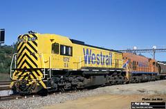J541 DA1572 P2012 313 grain Toodyay West 13 October 2000 (RailWA) Tags: railwa philmelling joemoir westrail da1572 p2012 313 grain toodyay west