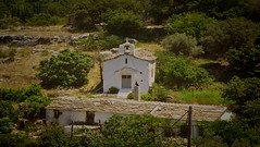 Rediscover the countryside (egotoagrimi) Tags: ikaria aegean greece ικαρία ελλάδα αιγαίο chapel church fields terraces oldhouse architecture spring may rurallandscape noon sunday foinikas arethousa φοίνικασ αρέθουσα