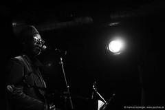 Saul Wiliams : vocals (jazzfoto.at) Tags: wwwjazzfotoat wwwjazzitat jazzitsalzburg jazzitmusikclubsalzburg jazzitmusikclub jazzfoto jazzphoto davidmurray davidmurrayquartet davidmurrayquartetfeatsaulwilliams jazzinsalzburg jazzclubsalzburg jazzkellersalzburg jazzclub jazzkeller jazzit2018 jazzsalzburg jazzlive livejazz konzertfoto concertphoto liveinconcert stagephoto greatjazzvenue greatjazzvenue2018 downbeatgreatjazzvenue salzburg salisburgo salzbourg salzburgo austria autriche blitzlos ohneblitz noflash withoutflash sony sonyalpha sonyalpha77ii alpha77ii sonya77m2 sw bw schwarzweiss blackandwhite blackwhite noirblanc bianconero biancoenero blancoynegro zwartwit concert konzert concerto concierto a77m2