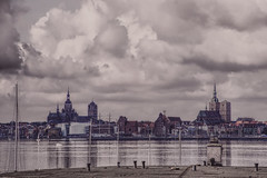 Stralsund (ingrid eulenfan) Tags: stralsund sky himmel stadt mecklenburgvorpommern affinityphoto strelasund