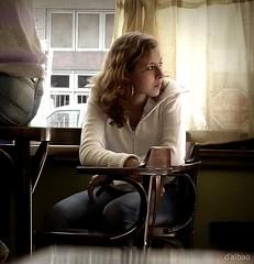 La espera (Franco D´Albao) Tags: francodalbao dalbao lumix retrato portrait candid robado bar chica girl espera waiting