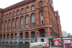 IMG_2136 (paquerettepétille) Tags: rathaus mairie berlin brique rouge tour télévision bâtiment