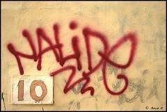 DSC_0615 (Pascal Rey Photographies) Tags: croixrousse xrousse lyon lugdunum streetart streetphotography street inthestreets strasse strassen rues via calle arturbain urbanart urbanphotography popart pochoirs tags graffitis graffs graffik graffiti papiercollé pastedpaper dada dadaisme pascalreyphotographies pascalrey photographiecontemporaine photos photographie photography photograffik photographieurbaine photographienumérique photographiedigitale nikon d60 digikam digikamusers linux linuxubuntu freesoftware fresquesmurales fresquesurbaines peinturesmurales peinturesurbaines walls wallpaintings walldrawings