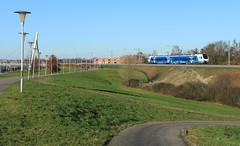 Keolis 7302 @ Zwolle Stadshagen (Sicco Dierdorp) Tags: keolis syntus blauwnet flirt serie7300 kamperlijntje zwolle kampen brug kanaal stadshagen