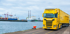 SITTING ON THE DOCK OF THE BAY (Keith Ola Shoebridge (olamefein)) Tags: scania s500 next generation truck stas walking floor dublin port ireland