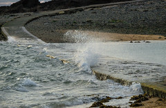Marée haute (Laetitia de Lyon) Tags: grandbé saintmalo mer vague wave sea hightide bretagne brittany breizh illeetvilaine
