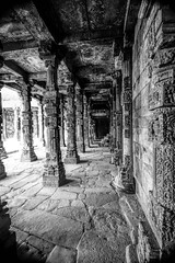 Quwwat ul-Islam Mosque, Qutab Complex, Delhi, India. (Aethelweard) Tags: newdelhi delhi india in mosque worship building historic history blackandwhite old architecture bw columns