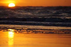 yesterday... (Wöwwesch) Tags: sunset sun gold burn beach winter perfect northsea waves sand