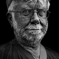 Old man with glasses (Ales Dusa) Tags: portrait oldman glasses beard face streetportrait alesdusa blackandwhite bw monochrome outdoor man oldbeardedman strongcontrast human humanity canon5dm2 character facialexpression wrinkles eyecontact