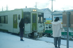 キハ100(むつ横浜駅) (しまみゅーら) Tags: fujifilm xe2 xf 35mm f14 ebc fujinon astia oneday shimokita hachinohe train trip