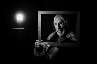 #Paris Pierre Richard dans mon objectif, un acteur de génie dans l'obscurité des coulisses du @theatreHebertot écoutez le dimanche sur @europe1 #EnBaladeAvec 11h-12h