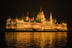 Parlament Budapest (VreSko) Tags: parlament parliament budapest ungarn hungary hungarian nacht noche night donau danube schifffahrt