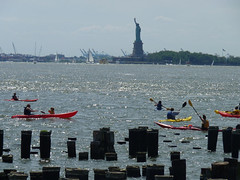 kayaking-and-the-statue-of-liberty-576x432-69909