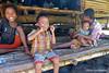 Kids at Wainyapu, Sumba Barat Daya (Sekitar) Tags: indonesia sumba barat daya ntt nusatenggaratimur kleinesundainseln lessersundaislands east kids anak wainyapu earthasia