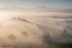 Belvedere | Morgenebel (AnBind) Tags: ausland fotoreise orte urlaub arrreisen italien cinqueterreundtoskana ereignisse 2017 sanquiricodorcia toscana it