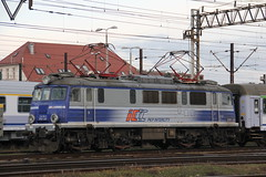 PKP IC EP07-335 , Wrocław Główny train station 02.02.2018 (szogun000) Tags: wrocław poland polska railroad railway rail pkp station wrocławgłówny engine locomotive lokomotywa локомотив lokomotive locomotiva locomotora electric elektrowóz ep07 ep07335 pkpic pkpintercity train pociąg поезд treno tren trem passenger tlk d29132 d29271 d29273 d29276 d29285 d29763 e30 e59 dolnośląskie dolnyśląsk lowersilesia canon canoneos550d canonefs18135mmf3556is