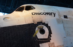 Discovery (afagen) Tags: chantilly virginia smithsonian museum nationalairandspacemuseum udvarhazycenter stevenfudvarhazycenter smithsonianinstitution jamessmcdonnellspacehangar spaceshuttle discovery spaceshuttlediscovery