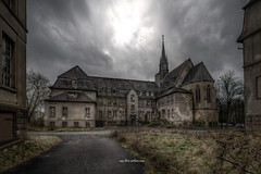 Dark Monastery (Fine ArtFoto) Tags: urbex artfoto gestern dream wwwfineartfotocom urban exploration urbexart urbandecay lost place lostplaces lostplace decay decaying discard discarded old oblivion alt abandoned forgotten vergessen verlassen derelict aufgegeben rotten verottet monastery cloister kloster schule klosterschule kent school kirche church dark