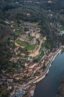 Beynac; Castlenaud; la Roque Gageac : Périgord : Flying above the Dordogne river : France