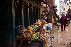 Bhaktapur street (rfabregat) Tags: bhaktapur kathmandu nepal nepalese street streetphotography colorful dof nikon nikond750