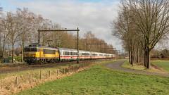 Bathmen NSI 1761 met IC 240 Berlin - Amsterdam Centraal (Rob Dammers) Tags: bathmen overijssel nl ic berlin amsterdam trein train zug