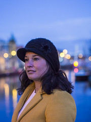 Fadime, Haarlem 2018: The pretty hatter (mdiepraam) Tags: fadime haarlem 2018 portrait pretty dutch brunette girl naturalglamour woman spaarne bluehour dof bokeh hat