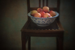 Keeping the Doctor Away (suzanne~) Tags: stilllife apple bowl chair indoor texture dark lensbaby sweet80