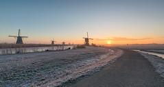 Sunrise in Kinderdijk (Wim Boon Fotografie) Tags: wimboon windmill winter winterlicht holland nederland netherlands cold sunrise leefilternd09softgrad unescoworldheritage alblasserwaard alblasserdam