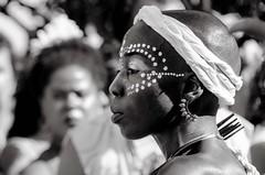 Foto- Arô Ribeiro -0347 (Arô Ribeiro) Tags: blackwhitephotos photography laphotographie blackandwhite bw pb brazil sãopaulo ilúoládemin carnaval art arôribeiro nikond7000 thebestofnikon nikon
