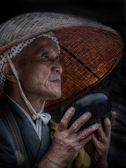 The prayer of the monk (karinavera) Tags: night photography urban ilcea7m2 japan prayer people heritage tradition monk
