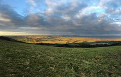 Looking North From Butser Hill (Marc Sayce) Tags: looking north clouds sundown countryside butser hill queen elizabeth country park downs national way petersfield hampshire winter february 2018
