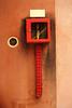 la boîte carré rouge contenant la vanne jaune (Steph Blin) Tags: murs wall box boîte tuyau vanne rouge red jaune yellow urban urbain ville architecture ocre aération grille grid carré square