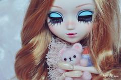 Zaylee (Açu Aizawa) Tags: pullip celsiy japanese fashion doll custom fullcustom customdoll handmade feltwool wool felt mascot bear