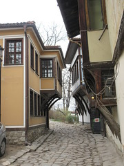 Houses at top of Dr. Stoyan Chomakov Ulica, Old Town, Plovdiv, Bulgaria (Paul McClure DC) Tags: plovdiv bulgaria balkans feb2018 пловдив българия historic architecture
