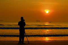 The Photographer (Chandana Witharanage) Tags: srilanka southasia mysoncapturingthesunrise vinura vinu morninng sun sunrise sky orange water sea silhouette sunrays dawn twilight awaken awakening beautiful breathtaking location nature naturallight youngphotographer tripod ship chandanawitharanagephotography nilavelibeach 7dwf saturdaylandscapes