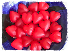 sweethearts    Explore 02.10.18 (saudades1000) Tags: heartcandy sweethearts valentinesdy happyvalentines love candy red redhearts iphone iphonephoto takenoniphone romance