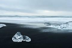 Diamond Beach (°Isabelle°) Tags: iceland islande plage beach glace ice