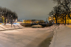 Cold night in St Petersburg (Tony_Brasier) Tags: icecold cold cars nikond7200 tamron 1116mm buildings night snow snowing river russia statues st petersburg peacefull photos people trees