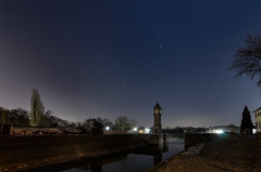 Sternenhimmel am Hafen (tankredschmitt) Tags: astronomie blauestunde canismajor ludwigshafen nightscape orion rhein sternbilder sterne stimmungen