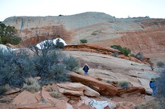 The Kids At Wilson Arch (Joe Shlabotnik) Tags: utah violet 2017 wilsonarch arch everett november2017 afsdxvrzoomnikkor18105mmf3556ged