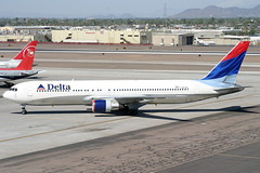 N127DL_01 (GH@BHD) Tags: n127dl boeing 767 767300 b767 b763 dl dal deltaairlines delta phx kphx phoenix phoenixskyharbour aircraft airliner aviation