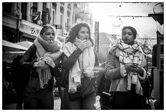 DSCF4320.jpg (srethore) Tags: street bw candid people noiretblanc photoderue summicron 40mm