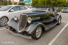 Below the Radar? (John H Bowman) Tags: newengland vermont chittendencounty burlington cars oldcars 1930scars ford 1934ford streetrods september2017 september 2017 canon24704l